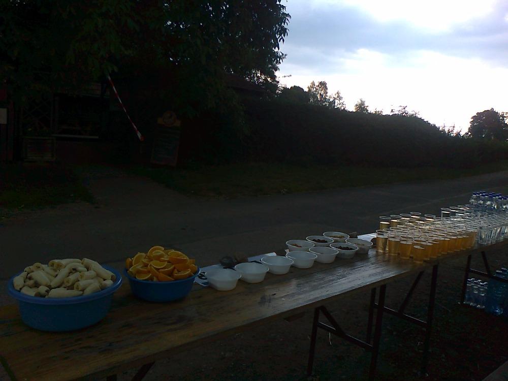 1. jhpůlmaraton - občerstvovačka Roseč (6)