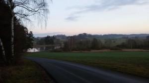 odbočka z červené turistické směrem na Ratiboř